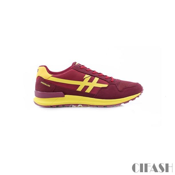 Sepatu Sneakers Sport Pria Wanita .