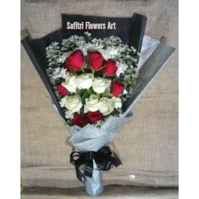 Buket Bunga Wisuda Bunga Asli Special Gift Bunga Ulang Tahun Shopee Indonesia