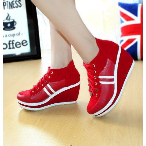 Dijual Sepatu Sneakers Wedges Boots Wanita Kinvol Hitam Merah R2 Diskon  dbfad80dc7