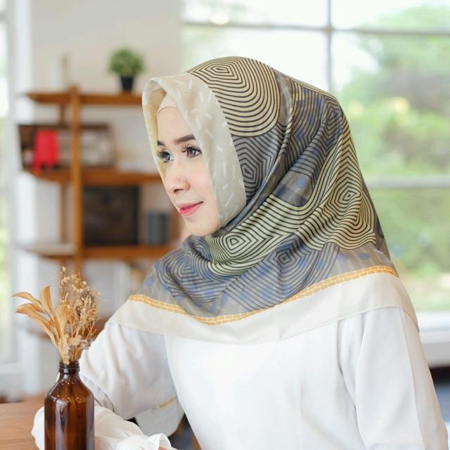 Kerudung Hijab Segi Empat Kerudung Segiempat Hijab Voal Premium Jilbab Model Kerudung Terbaru 2019 Shopee Indonesia