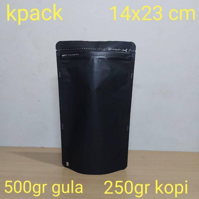 Kemasankopi: Kemasan Alumunium Foil Hitam Doff 14x23cm