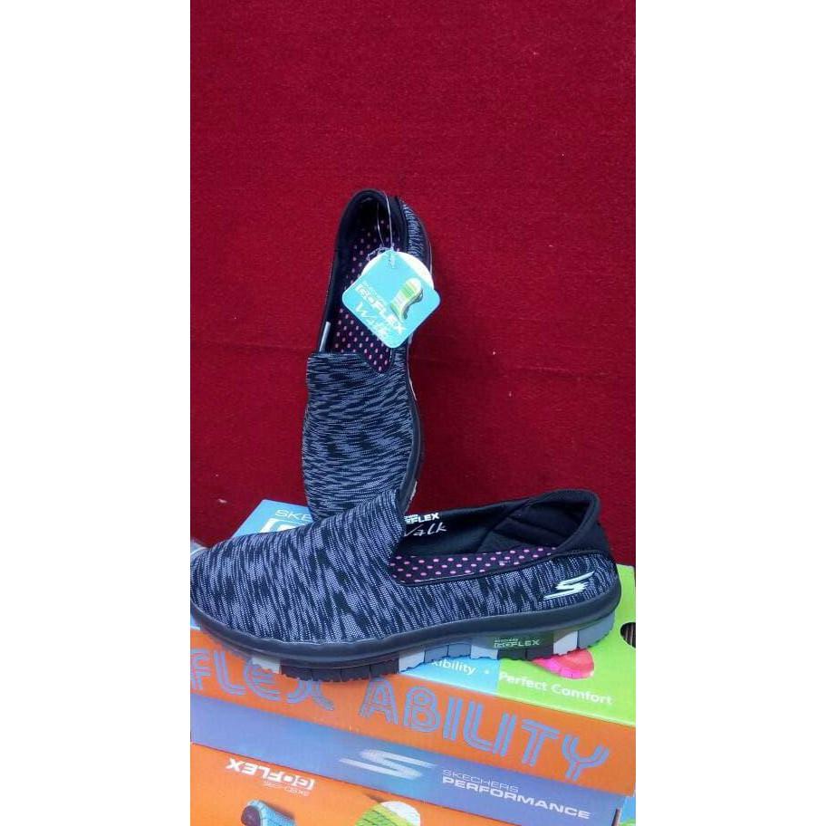Jual Beli Produk Slip Sandal Flip Flop Sandals Sepatu Wanita Dr Kevin Fs Women On 43342 2 Color Options Grey Black Hitam 38 Shopee Indonesia