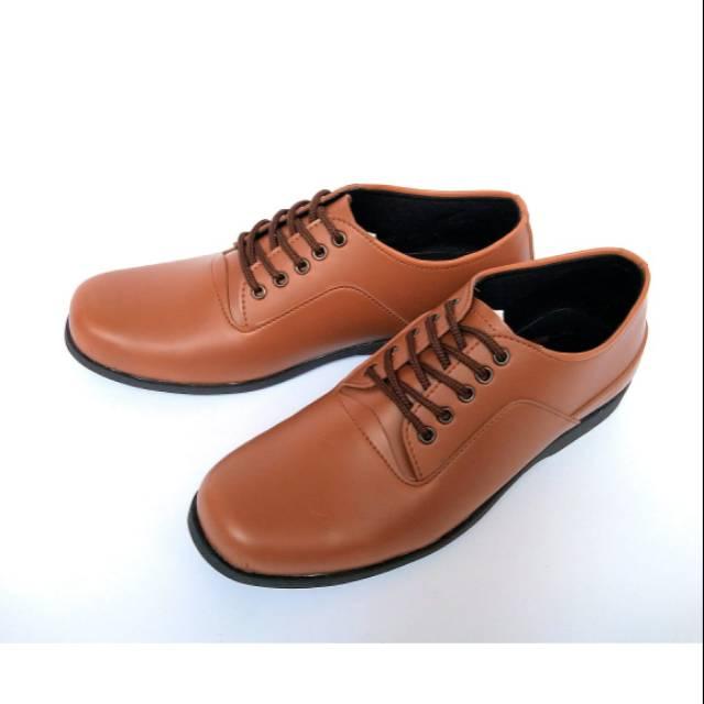 Sepatu Pantofel Pakai Tali Sepatu Pria Sepatu Kickers Sepatu Kulit