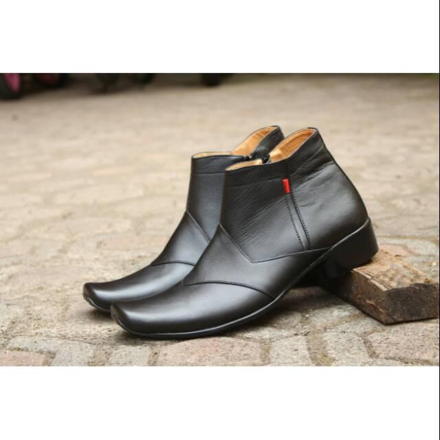 Sepatu Clarks pantofel resleting zipper Kulit formal pesta keren trendy pria   fc739f772d