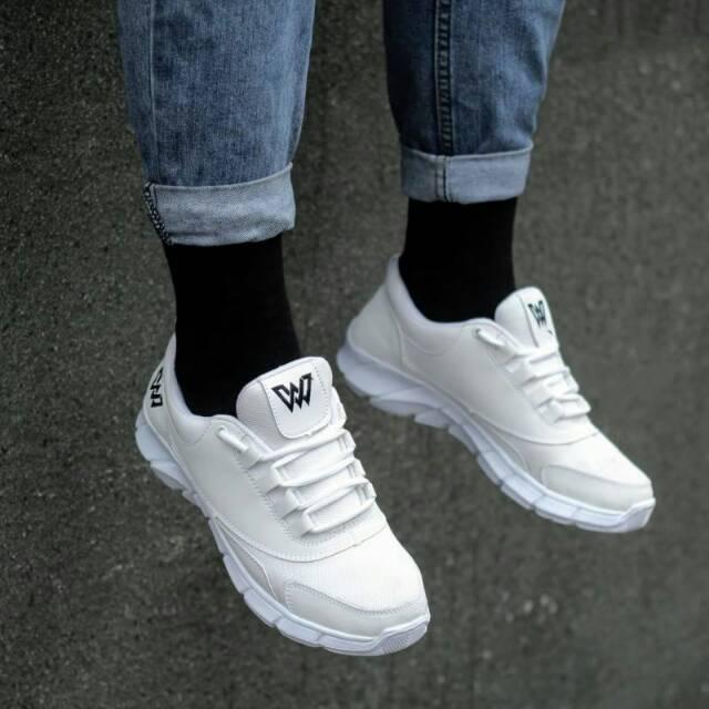 Sepatu Sneakers Pria Sepatu Sporty Tali Lokal Brand Merk Kualitas