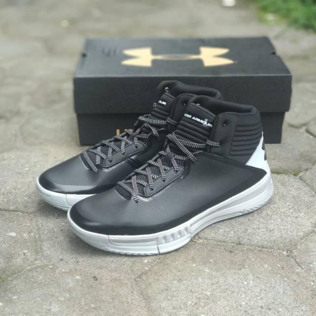Under Armour Men/'s  Lockdown 2 Basketball Shoes  Black Grey 1303265-003