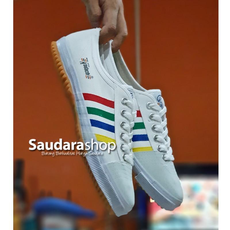 Sepatu Basket Under Armour Stephen Curry 4 SC30 Low Oreo Black Grey Hitam  Abu  7e55c4d0f2