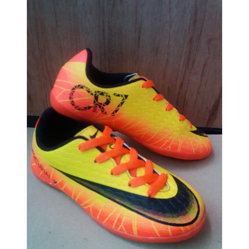 Jika Anda membeli Promo! Sepatu Futsal Nike Adidas Specs Anak Size 33-37  Bahan Suede Sol Kuat  21b7a1f4df