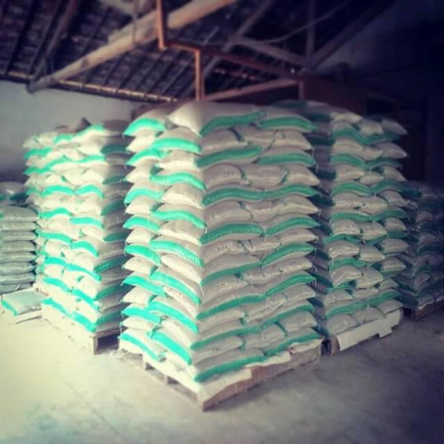 Pasir Kucing Zeolit Cuci Pasir Gumpal Bentonit Pasir Gumpal Zeolit Granule 12 Liter Shopee Indonesia