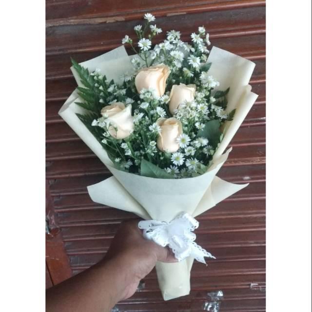 Bunga Wisuda Buket Bunga Hand Bouquet Hadiah Ulang Tahun Mawar Asli Shopee Indonesia
