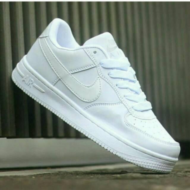 Harga Sepatu Nike Air Force One