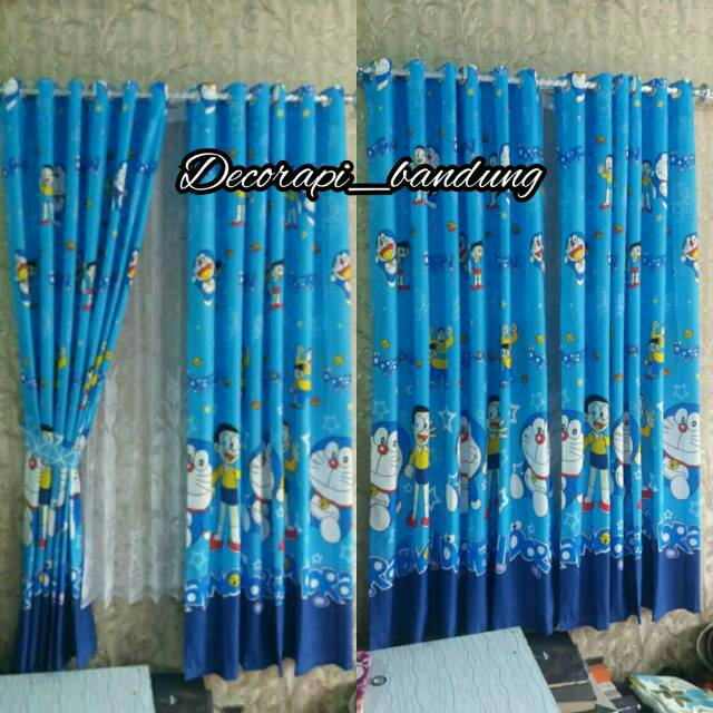Gorden Karakter Anak Motif Doraemon Biru Muda Model Smokering Tirai Jendela Pintu Dekorasi Kamar