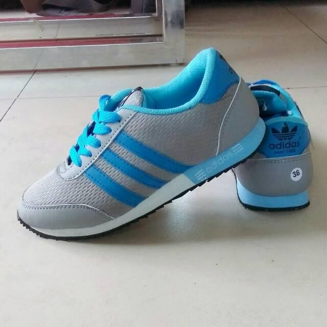 Reebok Abu Reebok Sepatu Indonesia Shopee Reebok Abu Indonesia Sepatu  Shopee Sepatu qtwfwB6 ce9d6e2b0c