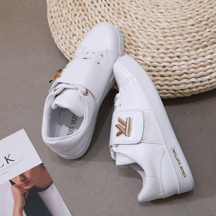467cc3c9994 LSO1221 Sepatu LV Sneaker Frontrow Logo Embellished PUTIH Seprem