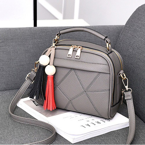 B2640 IDR.147.000 MATERIAL PU SIZE L23XH18XW12CM WEIGHT 600GR COLOR DARKGRAY