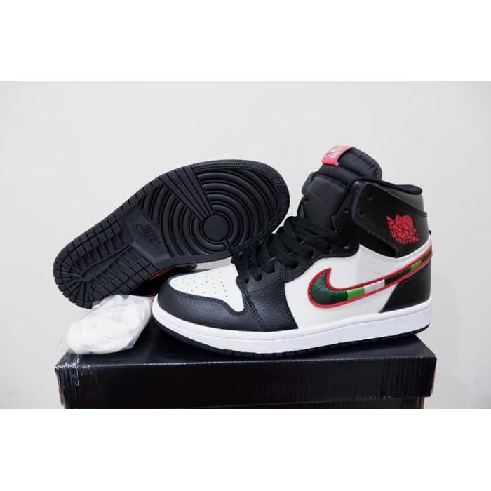 buy popular 30323 1b573 Sepatu Basket Air Jordan 1 AJ 1 A Star Is Born
