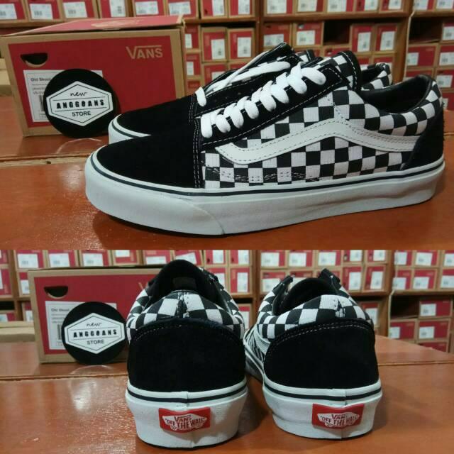 Sepatu Kets Sneakers Vans SK8High Leather Kulit Vans Logo White Black Putih  Hitam  6ffee47c7d