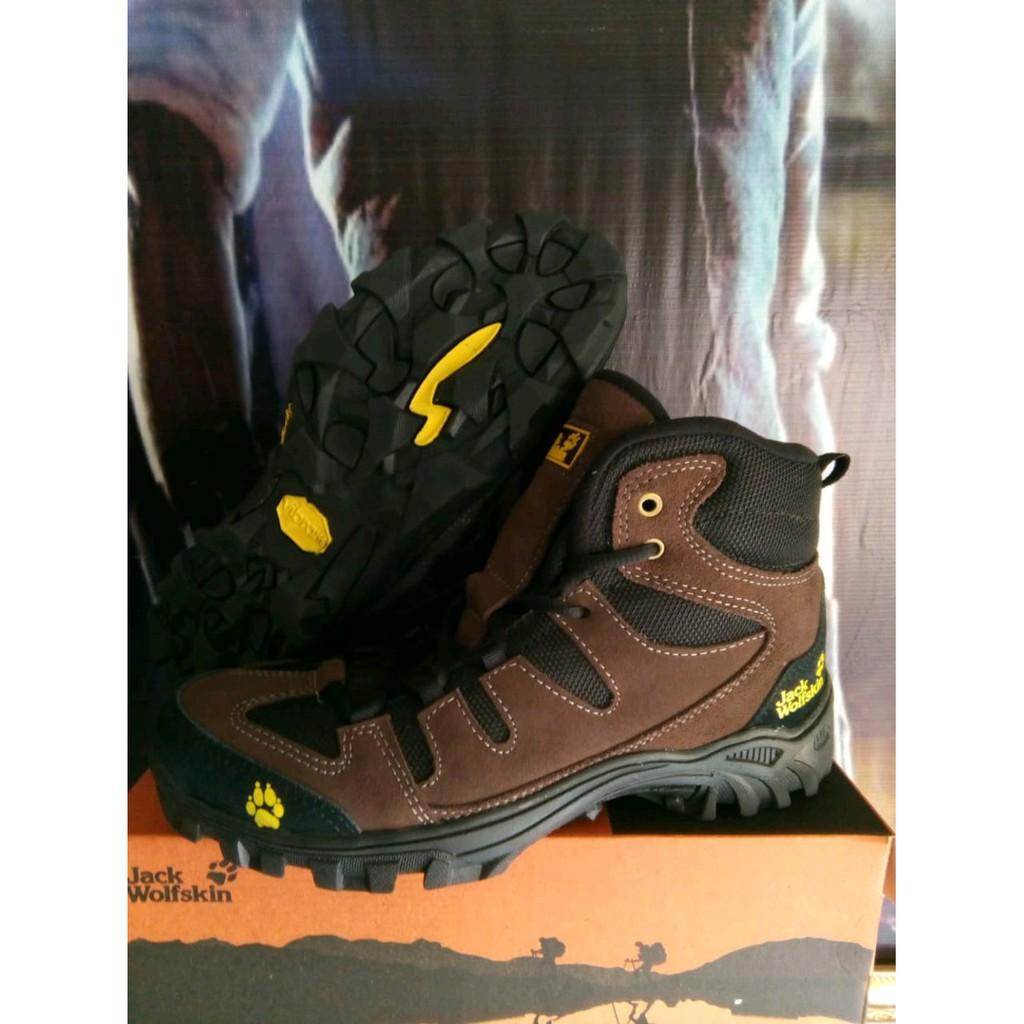 sepatu gunung - Temukan Harga dan Penawaran Sneakers Online Terbaik - Sepatu  Pria Desember 2018  f84f17d7d5