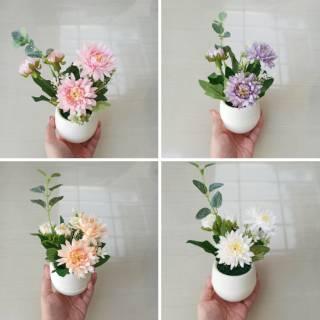 pot mini bunga krisan artificial dekorasi kamar rumah meja