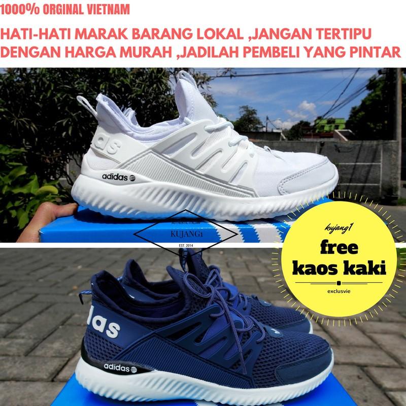 Belanja Online Sneakers - Sepatu Pria  af7cc42d4b