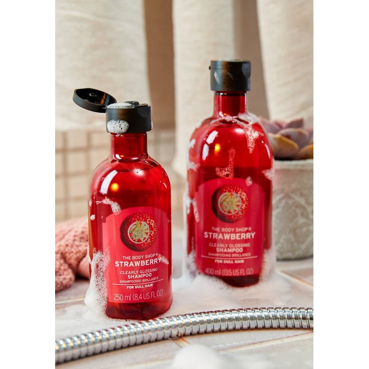 The Body Shop Strawberry Clearly Glossing Shampoo 250ml-2