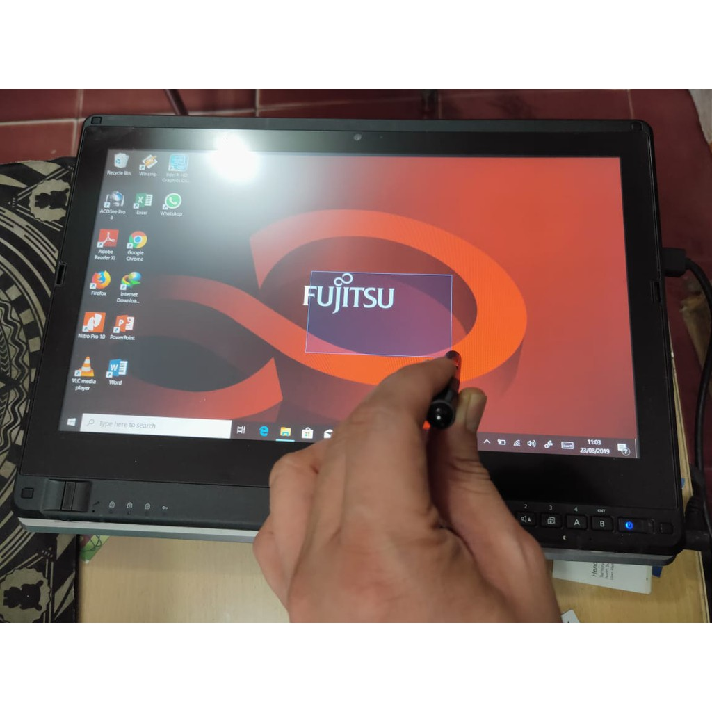 Laptop Bekas Second Fujitsu LifeBook T902 tablet TouchScreen