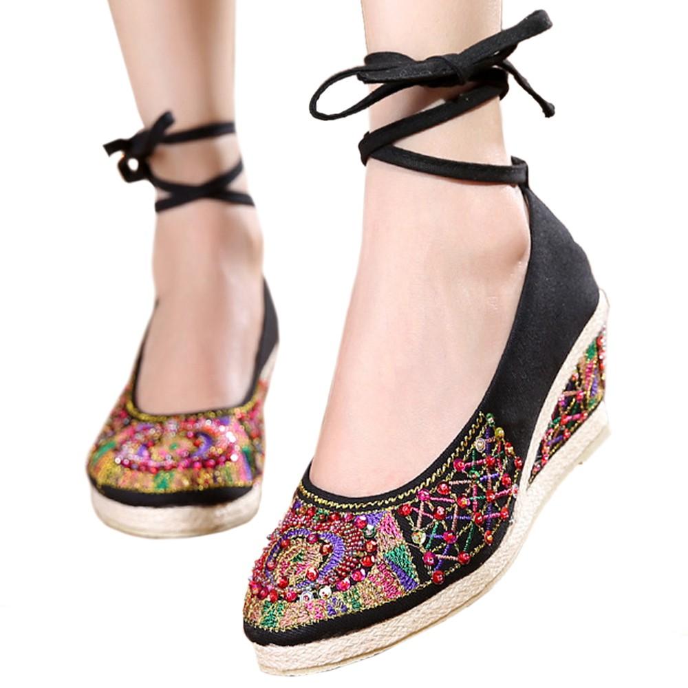 Fashion Wanita: Sepatu Model Old Beijing Motif Sulam, Warna Hijau   Shopee Indonesia
