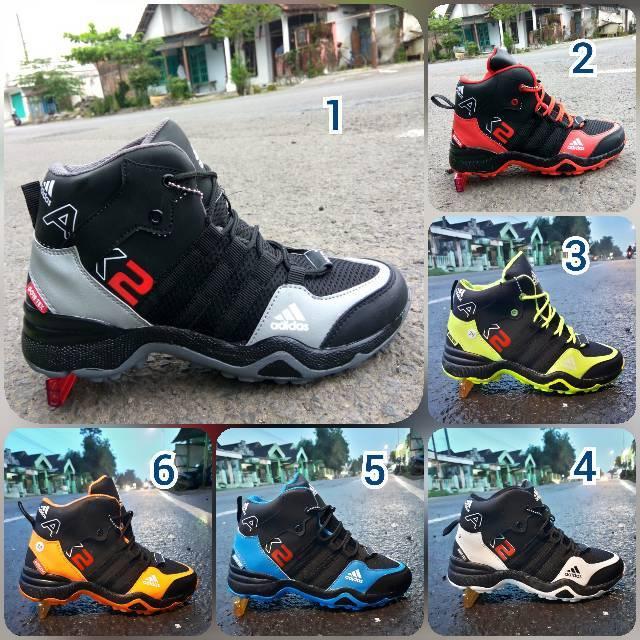 Promo free ongkir Sepatu basket adidas ax2 high goretex premium badminton  sneakers kets kasual ori  850106ffe0