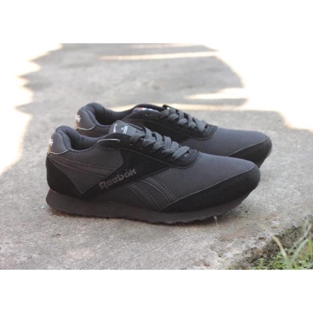Sepatu Casual Reebok skate murah sol karet tebal warna hitam putih sepatu  sekolah main dll  fb667940c0