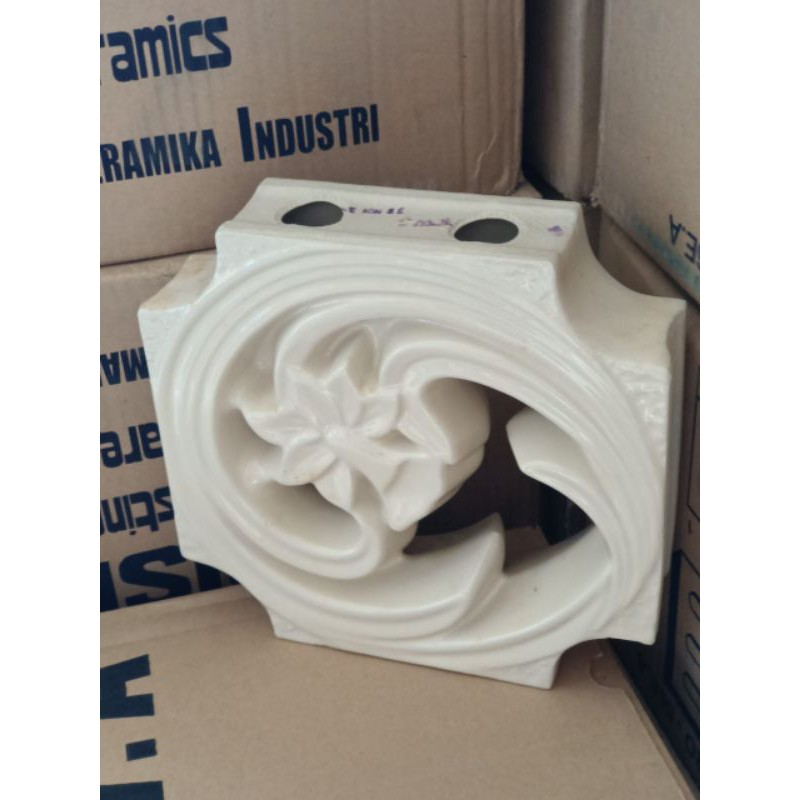 roster keramik trisensa oriental 30x30