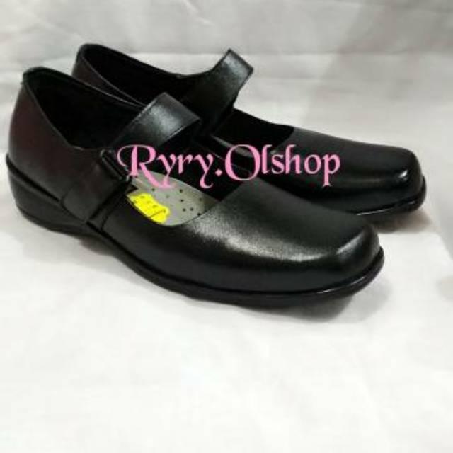 Sepatu Kulit T 02 3cm Trepes Wanita Sekolah Kerja Pantofel Baru