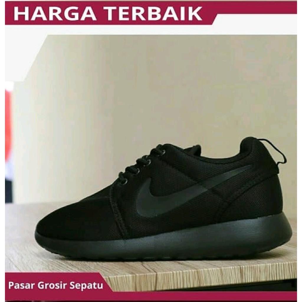 Sepatu Nike Roshe Run Black White Full Black Hitam Formal Sekolah Kuliah  Kerja Traning Cewek Cowok  65d020756e