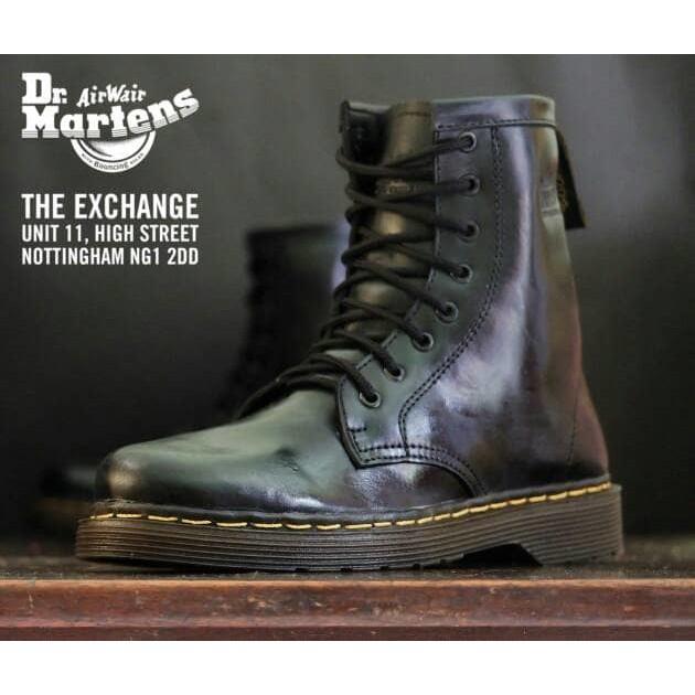 Sepatu BOOT DOCMART DR. Martens 8 hole lubang pria wanita(kulit sintetic)  becd8045d6
