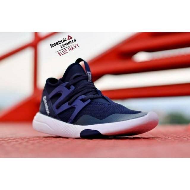 Sepatu Olahraga Running Pria Reebok Classic  572df350ff