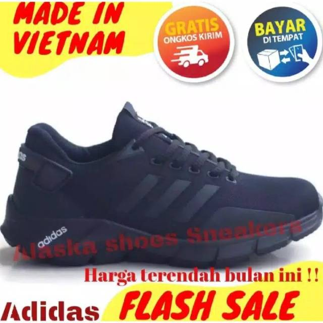 Sepatu Adidas Full Black Terbaru 2020 Sneakers Pria Wanita