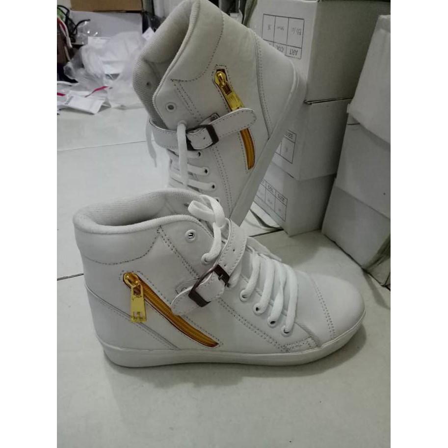 Sepatu Boots Mg Putih Daftar Harga Terlengkap Indonesia Cbr Six Bcc886 Bela  Caroline Fashion Wanita Boot b9a3cc5a1a