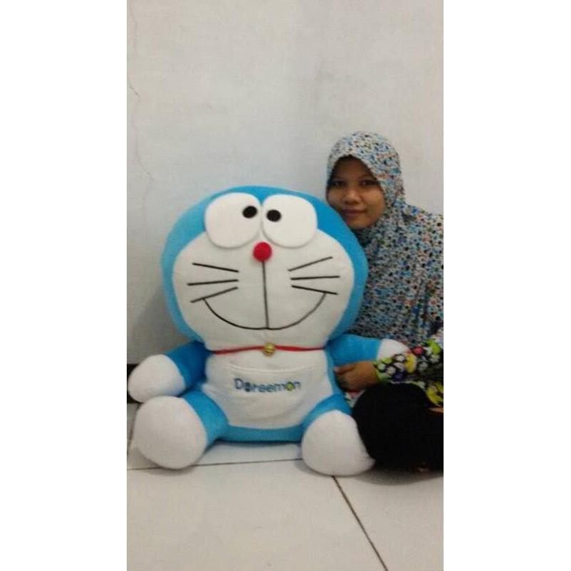 Best Quality Boneka Wisuda Doraemon Senyum 40Cm + Bunga | Shopee Indonesia