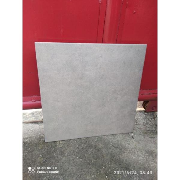 Keramik 40x40 lantai kasar dark grey