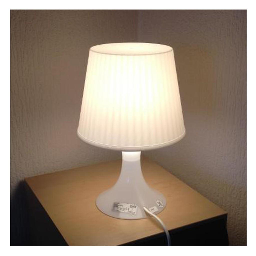 Lampan Lampu Meja Putih