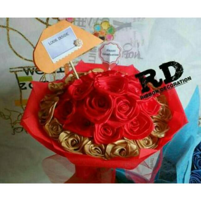 Kado Hadiah Buket Bunga Hand Bouquet Wisuda Graduation 18-20 Cm ... 8fb99b8499