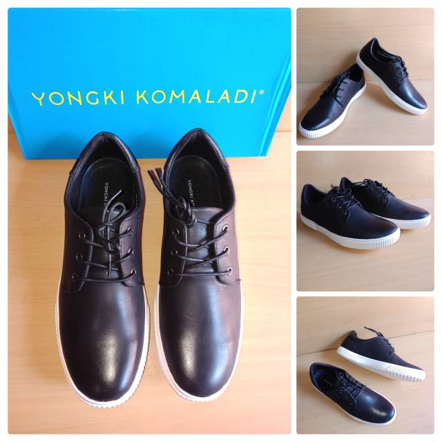 Sepatu casual navy by Yongki Komaladi  ef2ff392ef