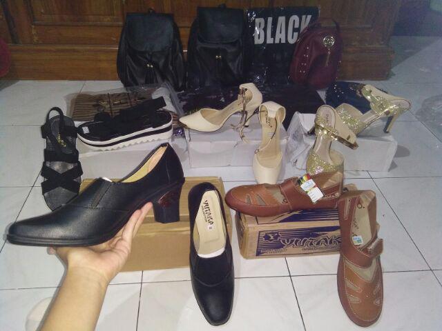 READY STOCK Yutaka Sepatu Wanita N33 Coklat Gratis Sepatu Jeans. Source · Respon penjual sangat baik.