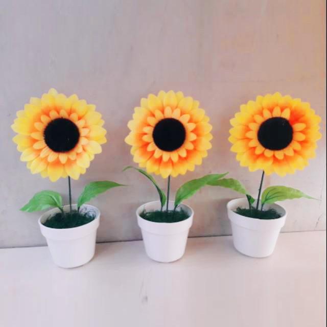 Naindo Bunga Matahari Pot Cantik Kembang Hiasan Ruang Tamu Kantor Tinggi 22 Cm Bunga Shabby Shopee Indonesia