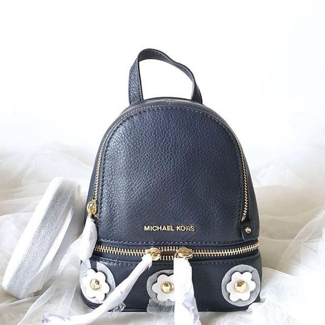 96bf417ccd1f52 Tas michael kors original - Mk rhea xs backpack gold Rp 2.500.000 | Shopee  Indonesia
