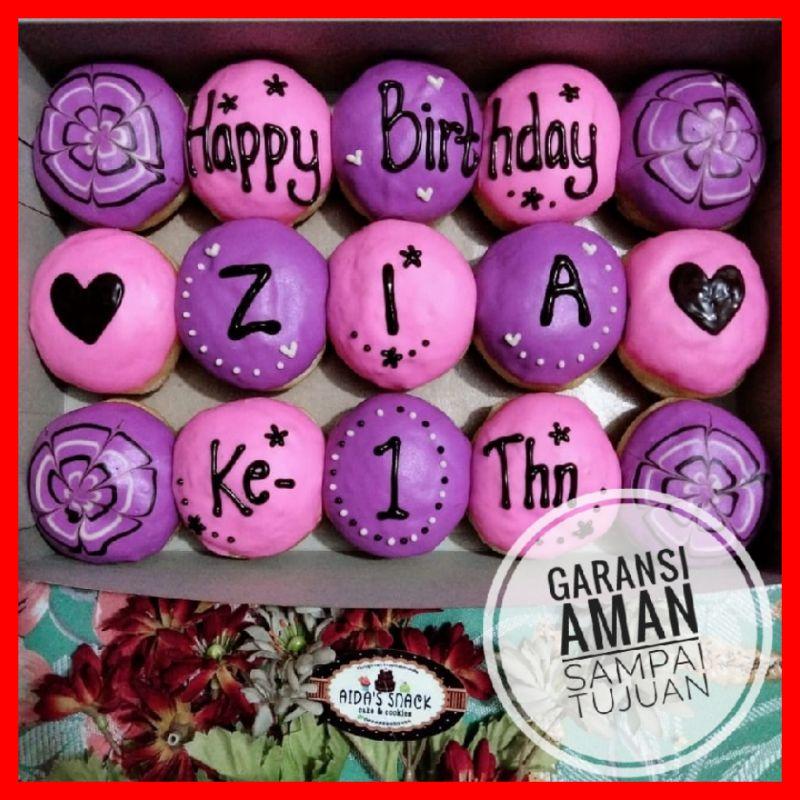 Donat ulang tahun Aida's snack bandung huruf karakter ultah toping ungu pink