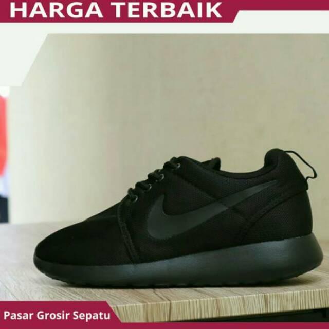 Sepatu Sekolah Nike Rosherun Full Hitam Cewek Cowok Murah Grade Original  f04df2500f
