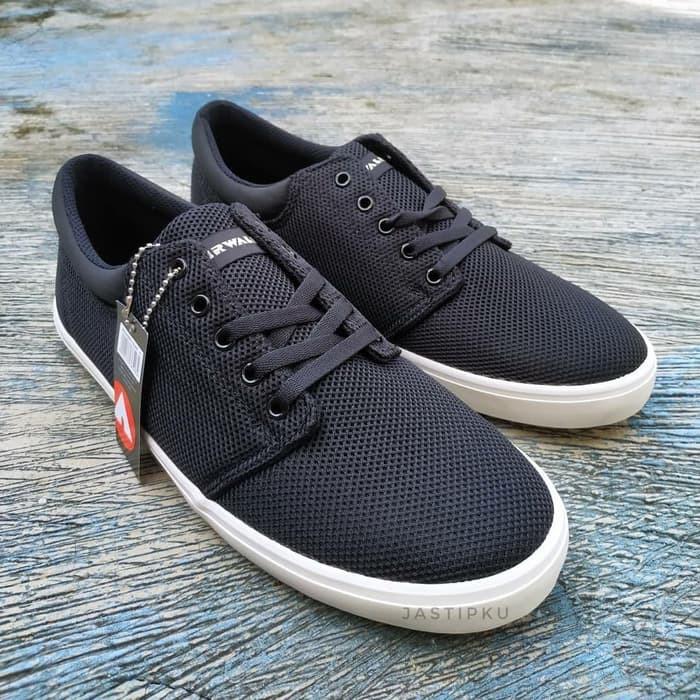 Discount Sepatu Casual Sepatu Sekolah Airwalk Original Bnib Terbaik. Jual Airwalk  Jevis Hitam ... c357499f7a
