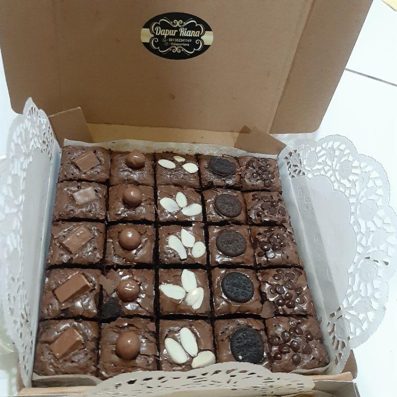 BROWNIES PANGGANG topping mix  // BROWNIES SEKAT //BROWNIES ULANG TAHUN