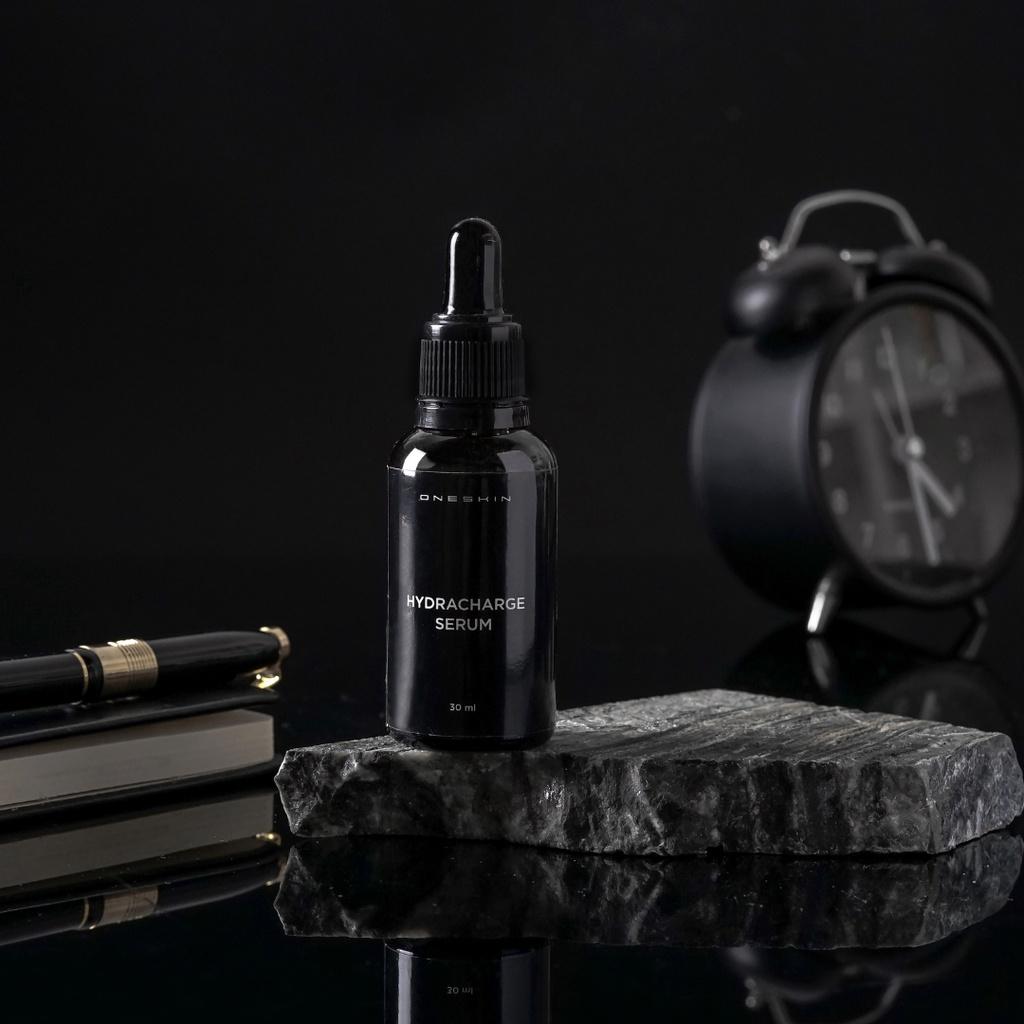 Oneskin Hydracharge Serum – Mencerahkan Merawat Kulit Wajah Pria
