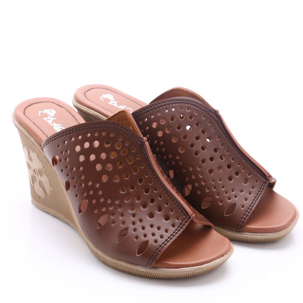 Cloi Adl 0810 Women Wadges Sandals 3cm In Cream Shopee Indonesia Dr Kevin 56002 Green Hijau Tua 39